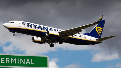 A picture of EIEFC - Boeing 7378AS - Ryanair - © Toby G