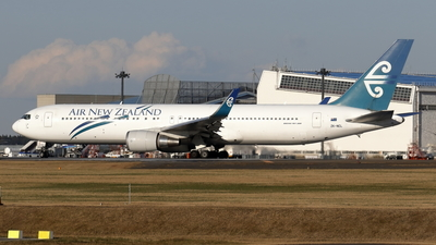 ZK-NCL - Boeing 767-319(ER) - Air New Zealand