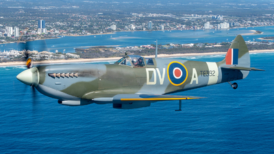 VH-RAF - Supermarine Spitfire Mk.XVI - Private
