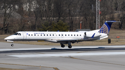 N23139 - Embraer ERJ-145XR - United Express (Commutair)