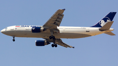 A picture of EPMDM - Airbus A300B4605R - Iran Airtour - © nsxr_