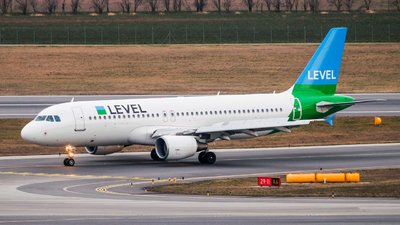 OE-LVR - Airbus A320-214 - Level (Level Europe)