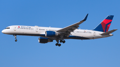 A picture of N823DX - Boeing 75726D - Delta Air Lines - © RiceCookerAviation