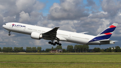A picture of PTMUC - Boeing 77732W(ER) - LATAM Airlines - © Marcel Schmidt