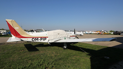 OM-PIP - Piper PA-28R-201 Cherokee Arrow III - Private