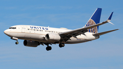 N16701 - Boeing 737-724 - United Airlines