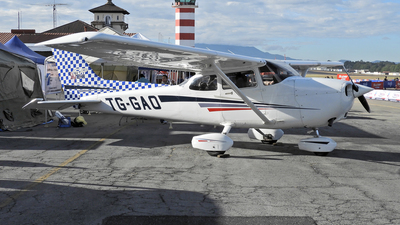 TG-GAO - Cessna 172S Skyhawk SP - Private