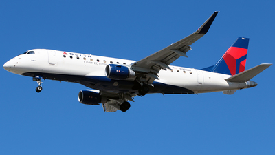 A picture of N290SY - Embraer E175LL - Delta Air Lines - © Diego Mancilla.