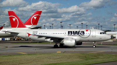 N302NB - Airbus A319-114 - Northwest Airlines