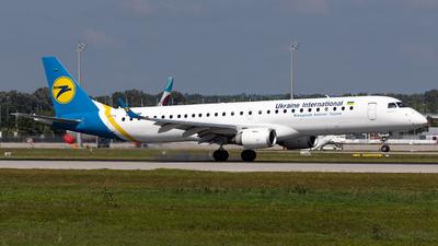UR-EMF - Embraer 190-200LR - Ukraine International Airlines