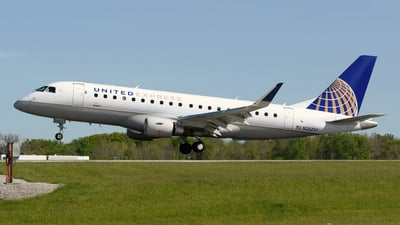 N202SY - Embraer 170-200LR - United Express (SkyWest Airlines)