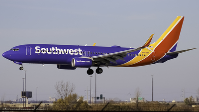 A picture of N8539V - Boeing 7378H4 - Southwest Airlines - © Zachary Bogart