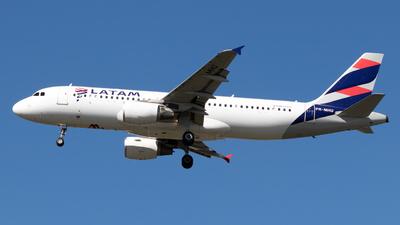A picture of PRMHU - Airbus A320214 - LATAM Airlines - © Antonio Carlos Carvalho Jr.