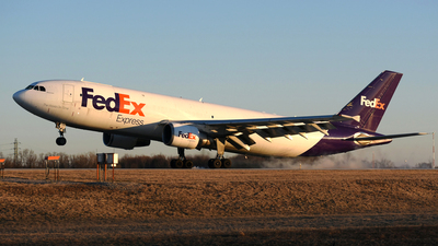 A picture of N724FD - Airbus A300B4622R(F) - FedEx - © DJ Reed - OPShots Photo Team