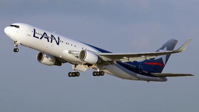 CC-CWG - Boeing 767-316(ER) - LAN Airlines