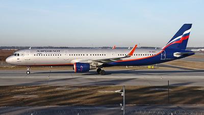 A picture of VPBKZ - Airbus A321211 - Aeroflot - © Airyura