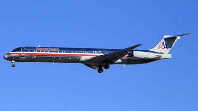 N7528A - McDonnell Douglas MD-82 - American Airlines