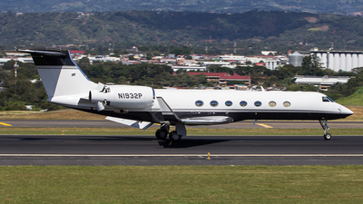 A picture of N1932P - Gulfstream G550 - [5549] - © SOLANO JORGE