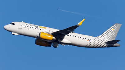 EC-MBT - Airbus A320-232 - Vueling