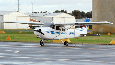 A picture of VHYHJ - Cessna 172S Skyhawk SP - [172S10827] - © Brenden