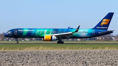 A picture of TFFIU - Boeing 757256 - Icelandair - © BaszB