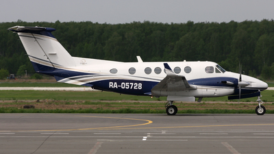 RA-05728 - Beechcraft 200 Super King Air - Private