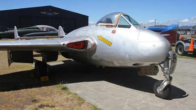 NZ5751 - De Havilland DH-100 Vampire - New Zealand - Royal New Zealand Air Force (RNZAF)