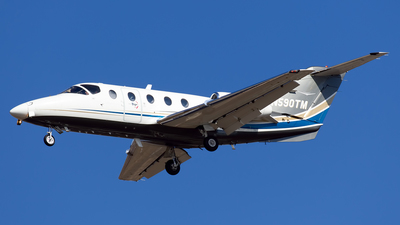 A picture of N590TM - Hawker Beechcraft 400XP - [RK334] - © Cary Liao