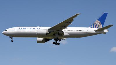 N206UA - Boeing 777-222(ER) - United Airlines