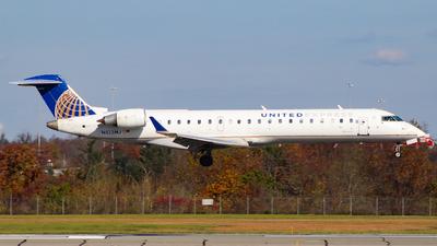 A picture of N513MJ - Mitsubishi CRJ701ER - United Airlines - © Simon B