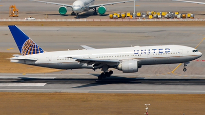 A picture of N27015 - Boeing 777224(ER) - United Airlines - © Jack Sin - HKPSA