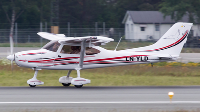 LN-YLD - TL Ultralight TL-3000 Sirius - Private