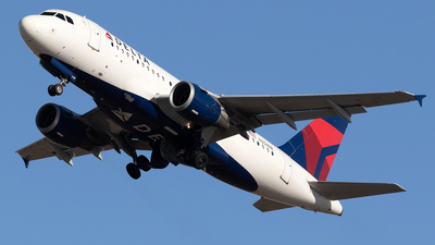 A picture of N358NB - Airbus A319114 - Delta Air Lines - © Mike MacKinnon