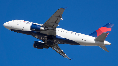 A picture of N371NB - Airbus A319114 - Delta Air Lines - © Stephen J Stein