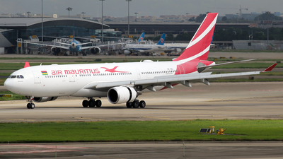 A picture of 3BNBL - Airbus A330202 - Air Mauritius - © Wanping Chen