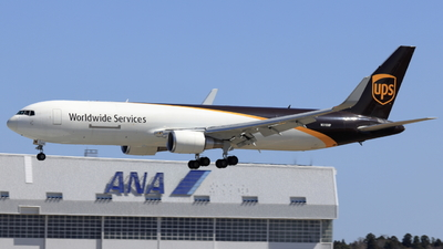 A picture of N310UP - Boeing 76734AF(ER) - UPS Airlines - © kaoru mizoguchi