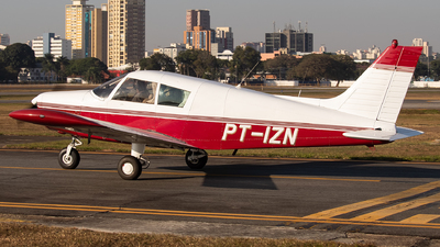PT-IZN - Piper PA-28-140 Cherokee F - Aeroclube de São Paulo