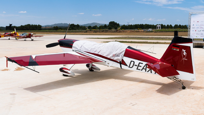 D-EAXY - Extra 300L - Private