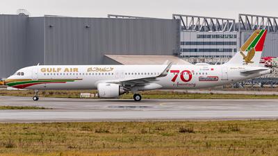 D-AZAM - Airbus A321-253NX - Gulf Air