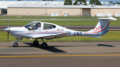 VH-UNR - Diamond DA-40 Diamond Star - University of New South Wales