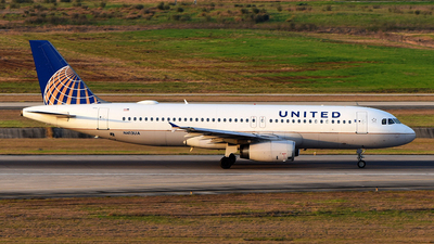 A picture of N413UA - Airbus A320232 - United Airlines - © Rocky Wang