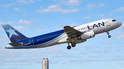 CC-COK - Airbus A320-233 - LAN Airlines