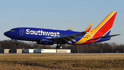 A picture of N961WN - Boeing 7377H4 - Southwest Airlines - © DJ Reed - OPShots Photo Team