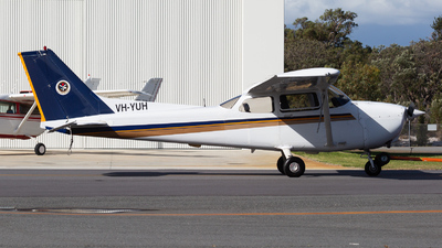 VH-YUH - Cessna 172R Skyhawk II - Singapore Flying College