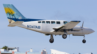 A picture of N347AB - Cessna 402C - Air Sunshine - © Rolf Jonsen