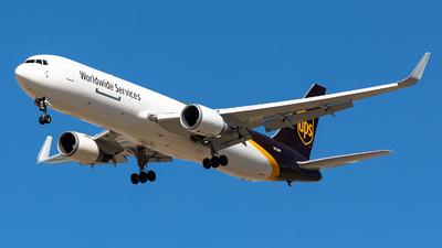N322UP - Boeing 767-34AF(ER) - United Parcel Service (UPS)