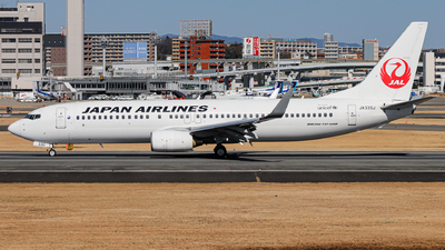 A picture of JA330J - Boeing 737846 - Japan Airlines - © Kirifud_2003