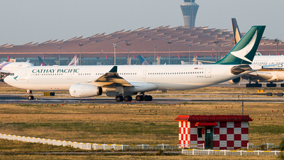A picture of BHLQ - Airbus A330343 - Cathay Pacific - © william8252