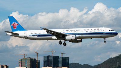A picture of B6659 - Airbus A321231 - China Southern Airlines - © Jamie