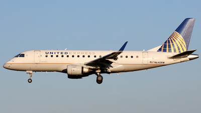 A picture of N640RW - Embraer E170SE - United Airlines - © Scott Kerhaert